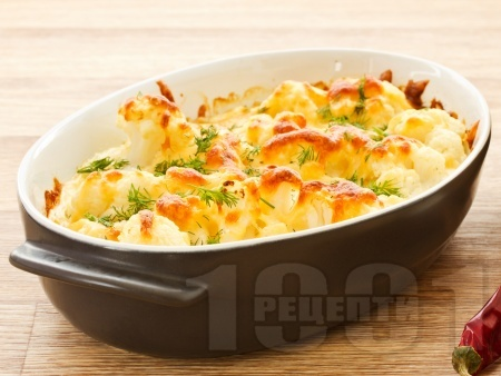 Огретен от карфиол на фурна с яйца, сирене и кашкавал - снимка на рецептата